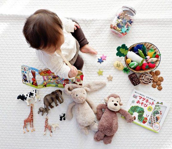 Peluches, giochi e colori: il segreto per una stanza dei bimbi perfetta